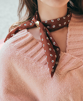 1045157 - <NE371_BA00> rolling scarf necklace