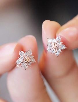 232712 - <ER236-DA16> [High quality setting] [Silver Post] twinkle snow Flower earrings