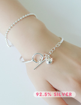 1043541 - <BC401-BD08> [Silver] caesar bangle bracelet
