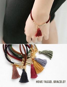 1043661 - <BC426-IE11> Nove tassel bracelet