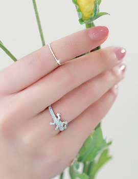 229922 - <SL170-JB06> [I want to see this SuYeon] [Silver] SuYeon slim knuckle ring