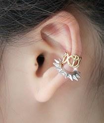 231880 - <EC064-CD05> Mini peace ear cuff