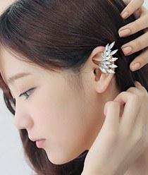 231937 - <EC017-CA24> fantasy wing ear cuff