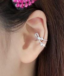 232028 - <EC072-CC18> twist ribbon ear cuff