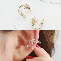 233126 - <EC048-S> Flower Ann snow snow ear cuff