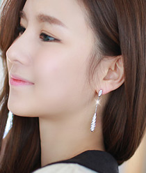 233142 - <ER355-DC16> [Silver Post] waltz long earrings