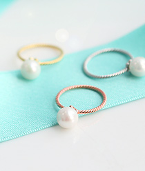 233400 - <RI185-AH05> only one pearl ring