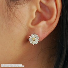 237170 - <SL179-S> [Out of stock] [clip type] chrysanthemum flower scent earrings
