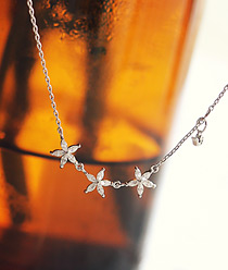 237281 - <NE150-IF10> fine Flower necklace