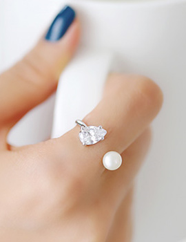 237688 - <RI328-AE11> white tears ring