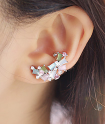 237710 - <EC102-CA21> pastel new moon ear cuff
