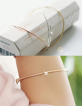 237903 - <BC284-S> [Same-day shipping] [Silver] slim line bangle bracelet