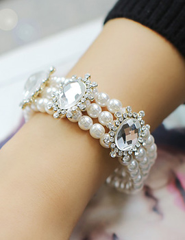 238109 - <BC294-IF09> Crutchie pearl bracelet