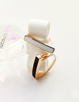 893673 - <RI388-S> Refined stick ring