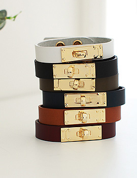 1020459 - <BC325-HE05> square buckle leather bracelet