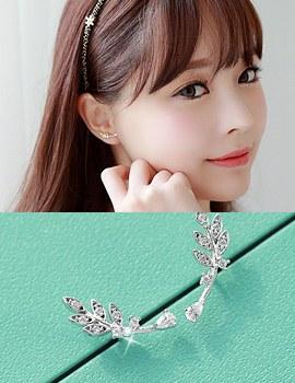 1043316 - <ER730-DB04> [Silver Post] Cusco Leaf earrings