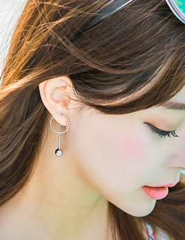 1043434 - <ER752-GF22> [Silver Post] bling long stick two-way earrings