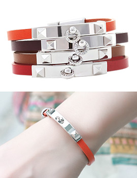 1043467 - <BC381-HA06> moon shine leather bracelet