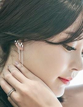 1043514 - <ER765-DD23> [Silver Post] by queen earrings