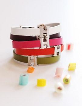 1043543 - <BC402-HC23> H leather bracelet