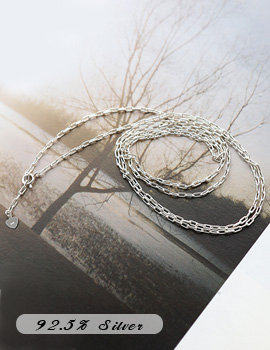 1043652 - <NE235-A> [Silver] square shot chain necklace