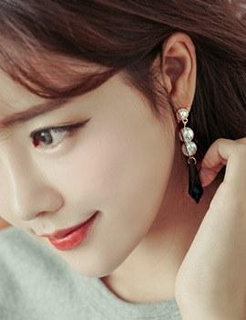 1043749 - <ER815-DL19> [clip type] [She is Pretty] Hari sweet earrings