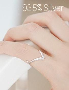1043767 - <RI475-BE07> [Silver] Vine Silver ring