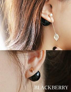 1043786 - <ER830-DL25> [She is Pretty] [Silver Post] Hari BlackBerry earrings
