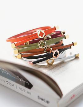 1043793 - <BC441-HH14> Close leather bracelet