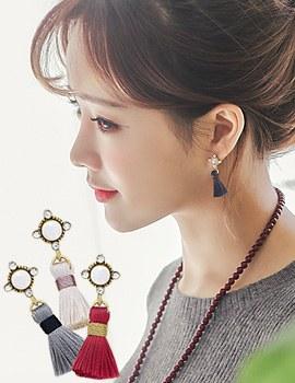 1043835 - <ER844-CF18> Audrey tassel earrings
