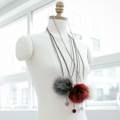 1043889 - <NE260-BA00> mink lady necklace