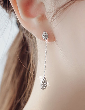1044018 - <ER888_DB23> [Silver Post] Pauline tear earrings