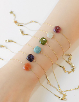 1044117 - <BC481_HC09> colorful gemstone slim bracelet
