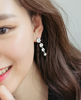 1044282 - <ER973_DH16> [Silver Post] love palace earrings