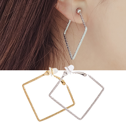 1044329 - <PC187_S> [Clip type] [clip type] Square cutting ring earrings (4cm)