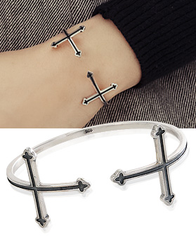 1044331 - <BC504_IF07> [Silver] Edge cross bracelet