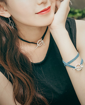 1044712 - <NE336_BB00> [bracelet for both] About Hook choker necklace