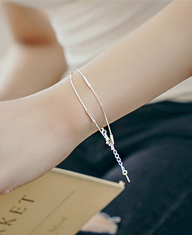 1044772 - <BC600_BE06> [Silver] stick snake bracelet