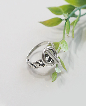 1044843 - <RI630_AH04> [Silver] Baroque antique ring