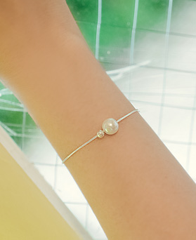 1044885 - <BC624_BD08> [Silver] pearl slimming bracelet