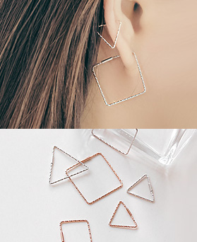1044940 - <ER1131_BE06> [Silver] slim cutting earrings