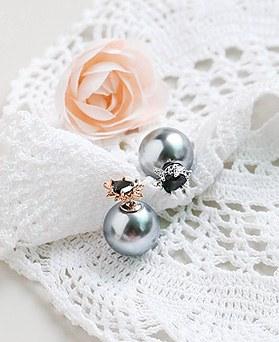 1045080 - <ER1168_CA17> [Silver Post] pearl chic earrings