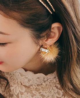 1045110 - <ER1182_GZ01> cubic mink two-way earrings
