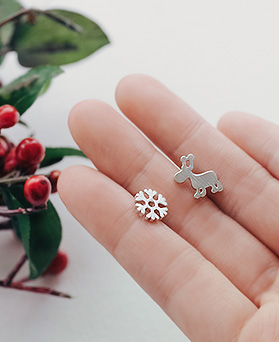 1045402 - <ER1235_GE04> [Silver Post] snow flower Rudolph Unbalanced earrings