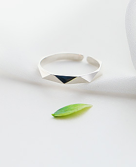 1045680 - <RI709_AF08> [Silver] slim angular rate Patterns ring