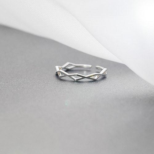 1045684 - <RI705_JG03> [Silver] twist angle ring