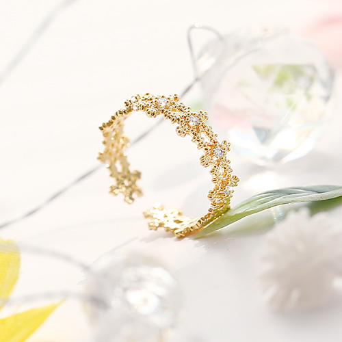 1045725 - <RI714_JC24> Flower flutter ring