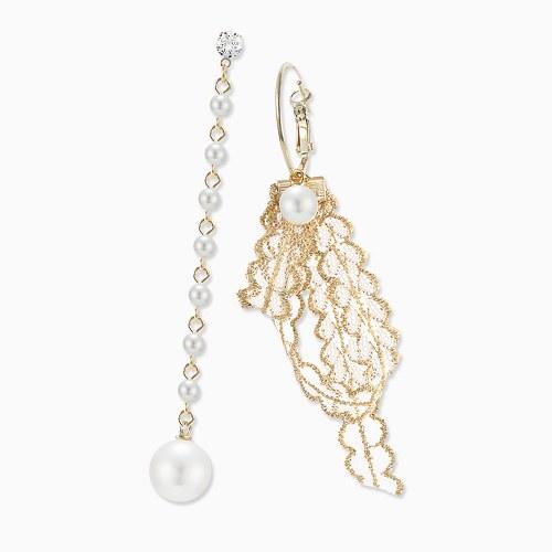 1045788 - <ER1355_CC19> Unbalanced pearl Ann lace earrings