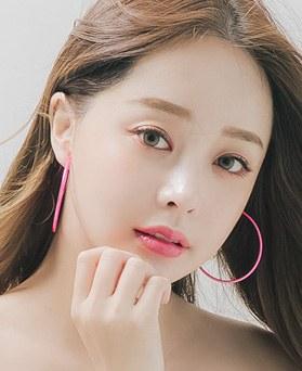 1045878 - <ER1390_S> [clip type] Color pipe ring earrings