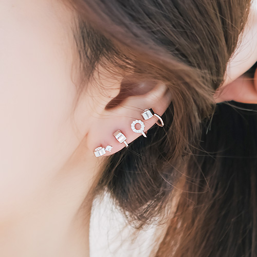 1045898 - <ER1385_CB11> [Silver Post] Unbalanced bubble Tee earrings
